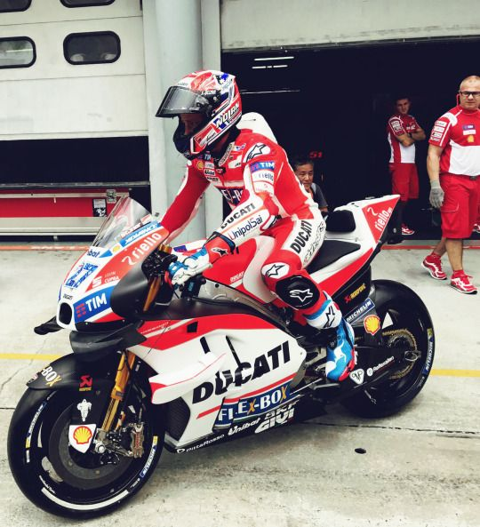 17 best images about grand prix on pinterest ducati bmw and ducati desmo. Black Bedroom Furniture Sets. Home Design Ideas