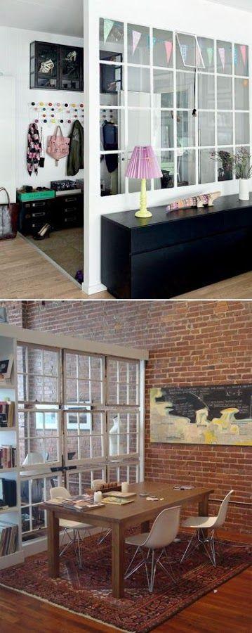 Estanterías, biombos y paneles de cristal para separar estancias sin recurrir a los tabiques.