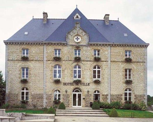Hôtel de ville, Montauban-de-Bretagne