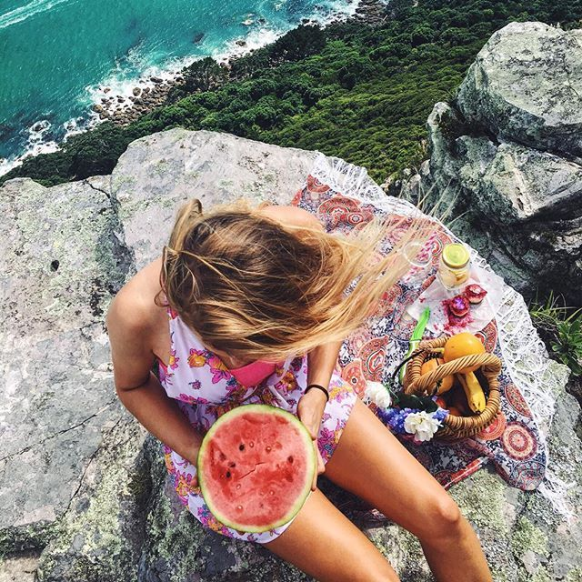 Fruity picnics on cliffs 'rock'  #nzthrowback
