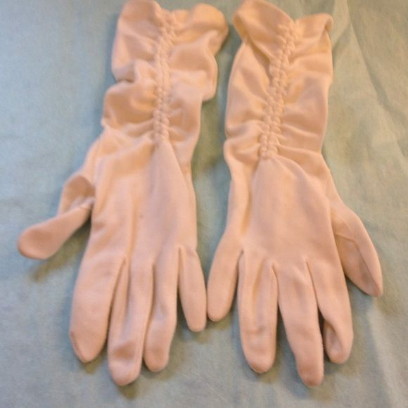 Vintage white dress gloves These are vintage gloves they are white. Very pretty Accessories Gloves & Mittens