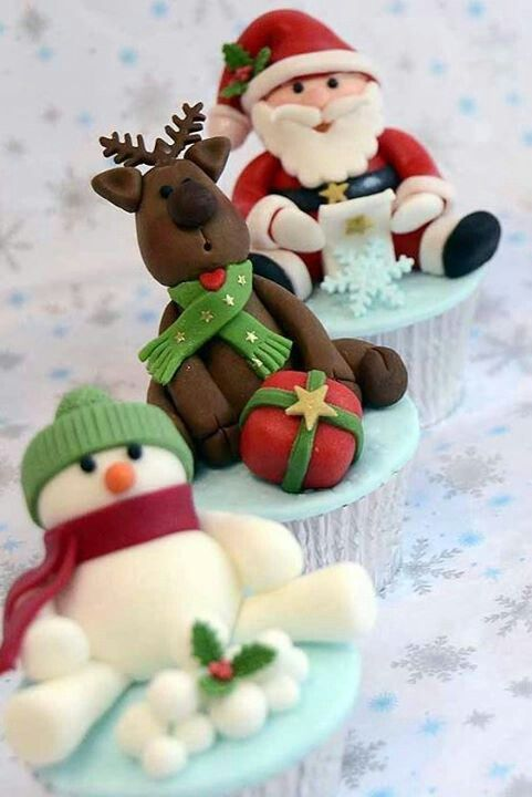 Christmas cupcakes: Holidays Cupcakes, Xmas Cupcakes Ideas, Christmas Cakes, Snowman Cupcakes, Cupcakes Toppers, Reindeer Cupcakes, Cups Cakes, Christmas Cupcakes, Santa Cupcakes