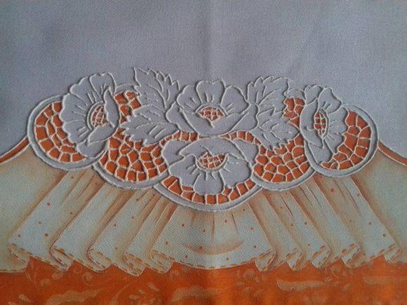 Pano de prato, tecido estilotex, 50 cm com pintura imitando rechilieu