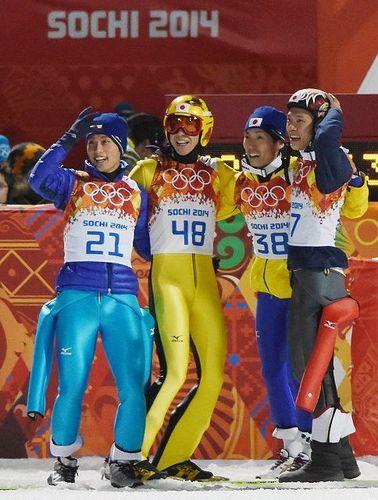 五輪ジャンプ:日本は銅メダル 男子団体ラージヒル - 毎日新聞