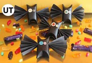 Morcego com rolo de papel – Criatividade sem limites #morcego #reciclagem  http://www.revistaartesanato.com.br/reciclagem/morcego-com-rolo-de-papel/06