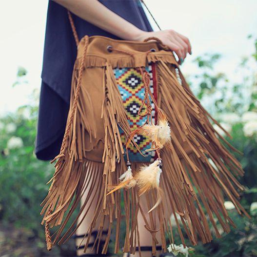 Aporia.as индейская сумка   Aporia.as оригинальная индейская сумка, украшенная вышивкой ручной работы, кисточками, перьями, бусинами, плетеными кожаными шнурами. Материал: натуральная замша. ☮️Цена: 8000 руб. Закажите на сайте: bohomagic.ru, доставка от 2 недель. http://bohomagic.ru/shop/for-her/aporia-as-indejskay-sumka/ #бохо #boho #bohochic #бохошик #бохоодежда #бохостиль #бохостайл #стиль  #девушка #бохомода #aporiaas #апориаас #интернетмагазин #бохоаксессуары #аксессуары #магиябохо…