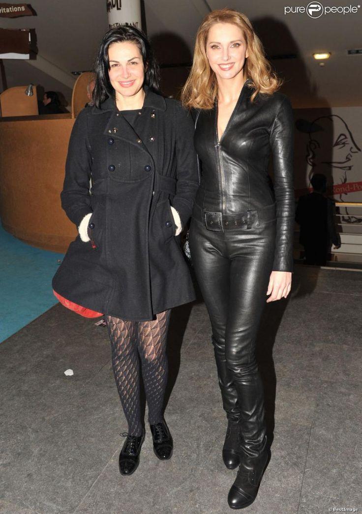 """Frédérique Bel et Helena Noguerra à la soirée """"Mariage pour tous"""" au Théâtre du Rond-Point, à Paris, le dimanche 27 janvier 2013."""