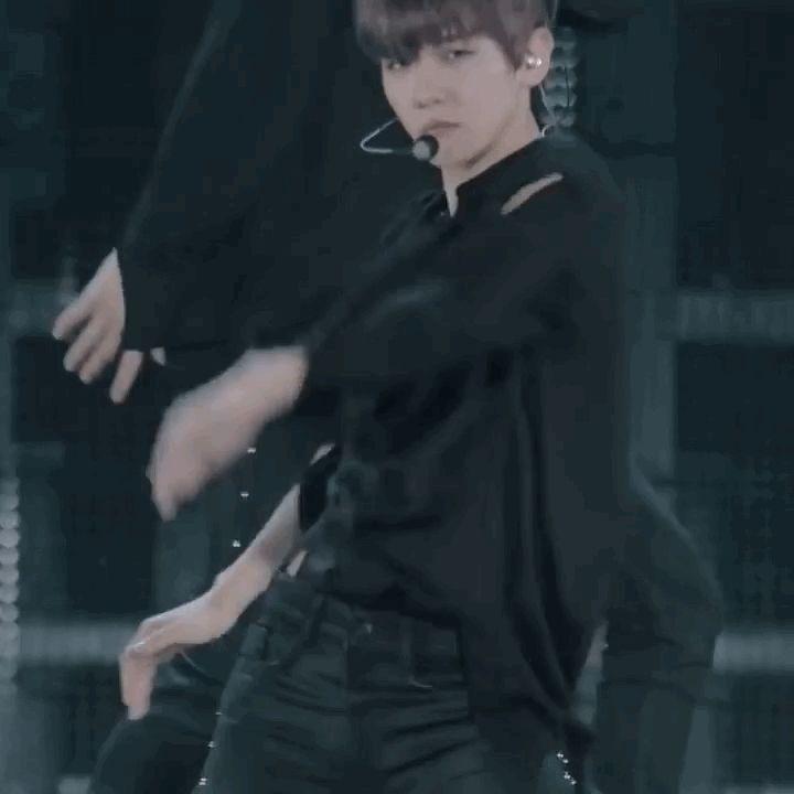 ☁︎ exo baekhyun ;; white noise @ exordium / #exo #baekhyun #exordium