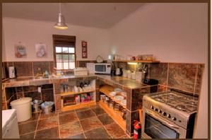 Choose where to Snooze - Karoo View Cottages: well laid out kitchen, well equipped