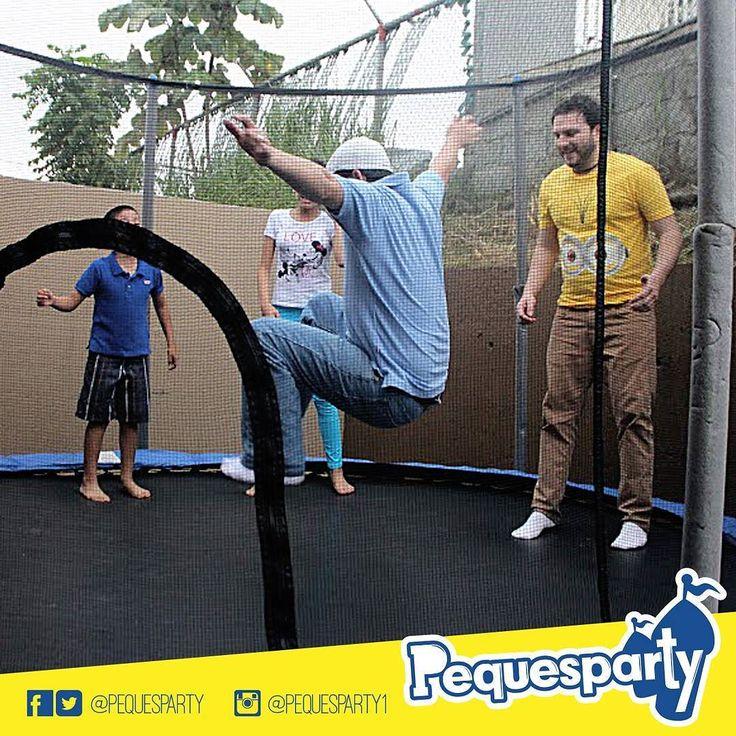 #brincasin parar con nuestro#trampolin dedicado a proporcionarles un día muy divertido tanto a niños como adultos. PequesParty Fábrica de Sonrisas! #jump#fiesta#diversion#mcbo#vzla#kids#niños#fun#inflables#brincabrinca#pintacaritas#popcorn#saltar#brincar#yeah#cool#marketing#musica#animacion