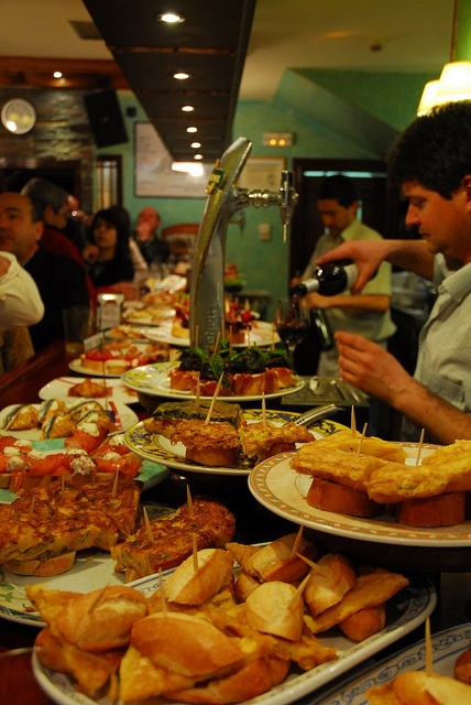 Summer will be here soon! Five weeks this time! Yummy tapas by amos lee. Pintxo bar in San Sebastian.