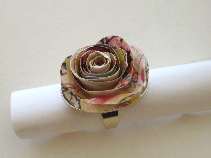 fabriquer des roses en papier (Créations en carton - cartonnage) - Femme2decotv
