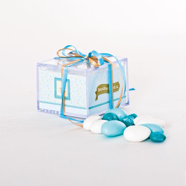 Plexi-glass favor box with the invitation concept on the paper insert http://www.bamthestore.com/shop/proionta/boboniera-kouti-plexi-glass/