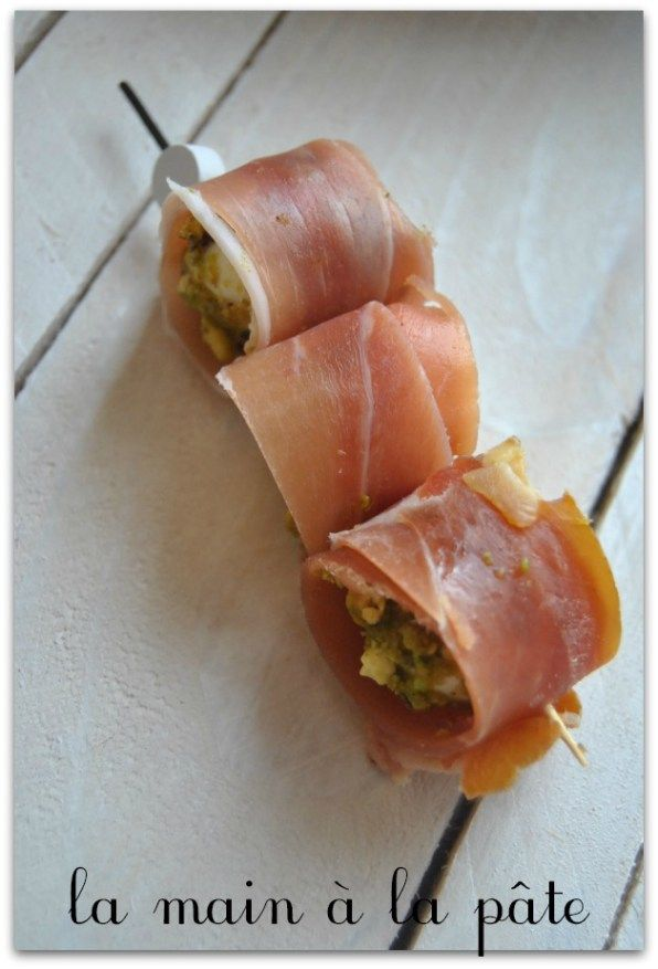 Billes de mozzarella panées à la pistache et au jambon de Bayonne
