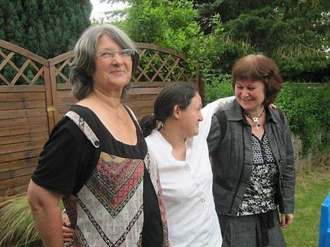 VOUS SOUHAITEZ DEVENIR ACCUEILLANT FAMILIAL EN BRETAGNE? - L'accueil familial s'adresse aux personnes âgées de plus de 60 ans dont l'état de dépendance est justifié sur le plan médical ainsi qu'aux adultes dont l'incapacité est reconnue C.D.A.P.H. (Commission des Droits et de l'Autonomie des Personnes Handicapées)...