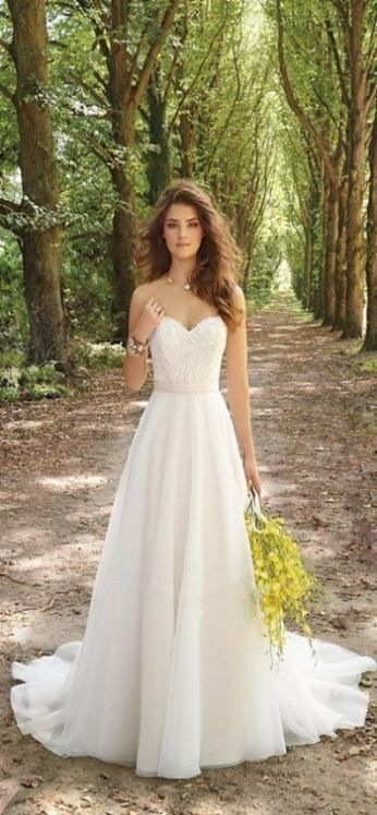 28 trendy wedding dresses flowy simple neckline #wedding