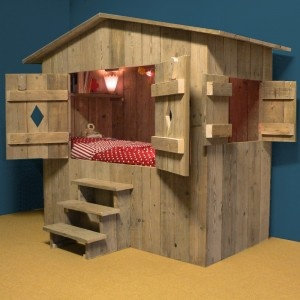 bedstee -- How cute would this be for the cats/dog? I picture a scratching post chimney to let them get on the roof