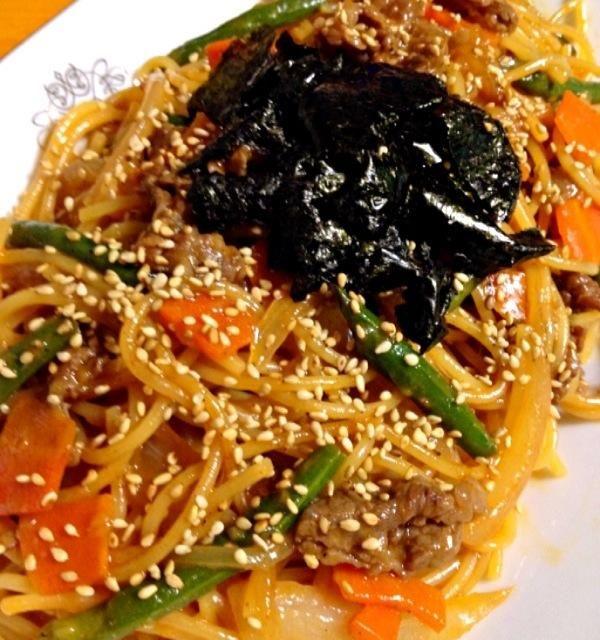 牛肉が少しあったのでコチュジャンとおろしニンニクと醤油に鶏ガラスープのもとで韓国料理のプルコギ風味付けのスパゲティを - 9件のもぐもぐ - プルコギ風スパゲティ by カウンター嬢