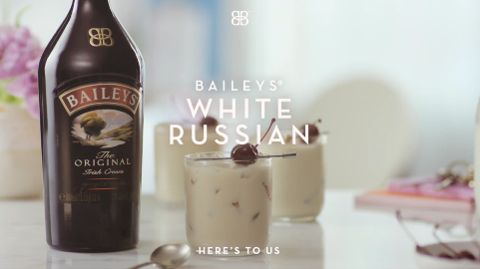 An indulgent Baileys twist on a true cocktail classic (Please don't forward to those who are under the legal purchase age of alcohol)