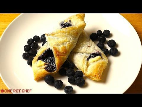 How To Prepare A Delicious Blueberry Pastry For Your Family And Friends!