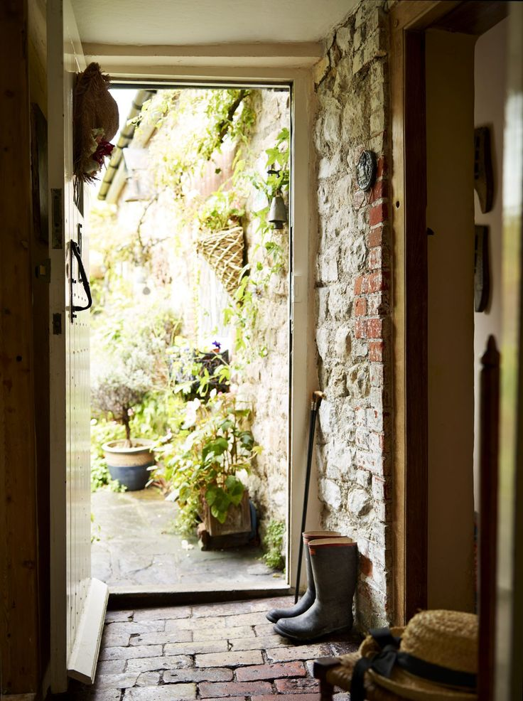 Real Home: restoring a medieval home Rustic entryway