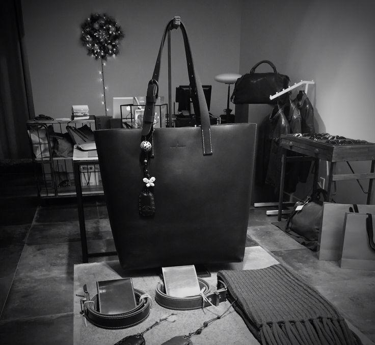 SAINT AUGUST - Select Shop Instagram - http://instagram.com/saint__august kakao channel - https://story.kakao.com/ch/saint8 82) 02-517-2210