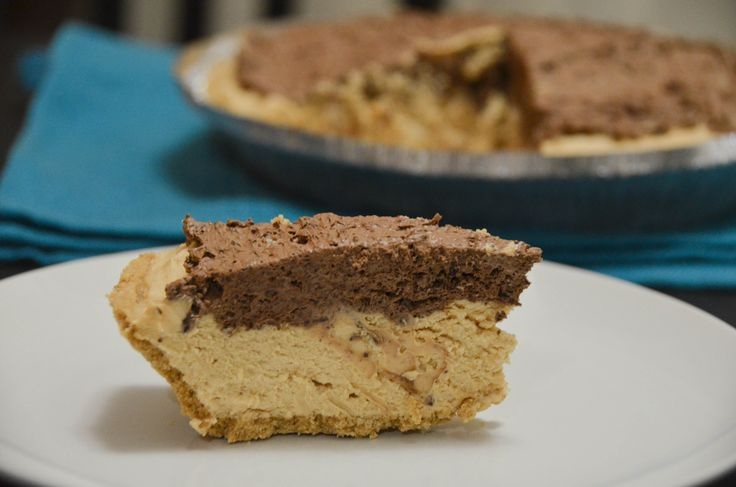 This No-Bake Peanut Butter Chocolate Pie Tastes Better Than Reese's