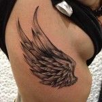 35 Atemberaubende Flügel Tattoo Designs