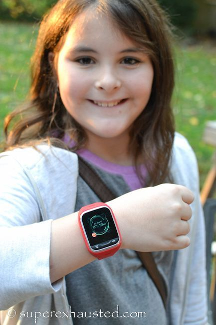 Gizmo gadget review watch phone by Verizon review of the features. Safety and how to use it. Also a video review done by kid and parent.