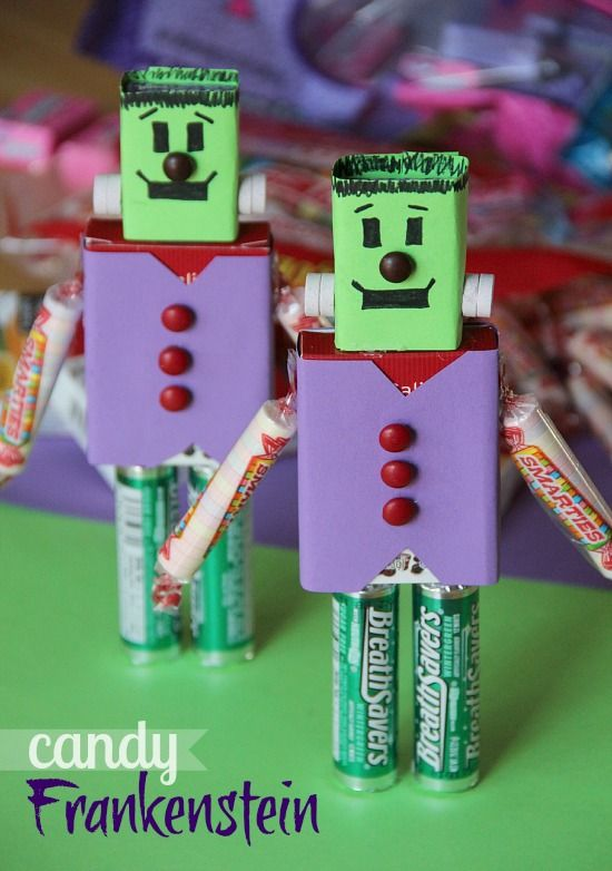 Candy Frankensteins...  The perfect take away from a Halloween party or school gift!: Halloween Parties, Candy Crafts, Cute Ideas, Candy Frankenstein, Candy Gifts, Halloween Crafts, Kids Crafts, Halloween Treats, Halloween Ideas