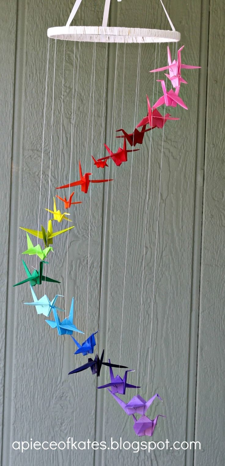 Rainbow origami crane mobile #diy #craft (really like this one!)