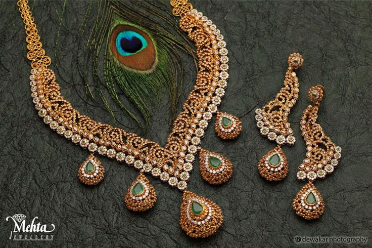 Jewellery Designs: Mehta Jewellers Exclusive Uncut Necklace