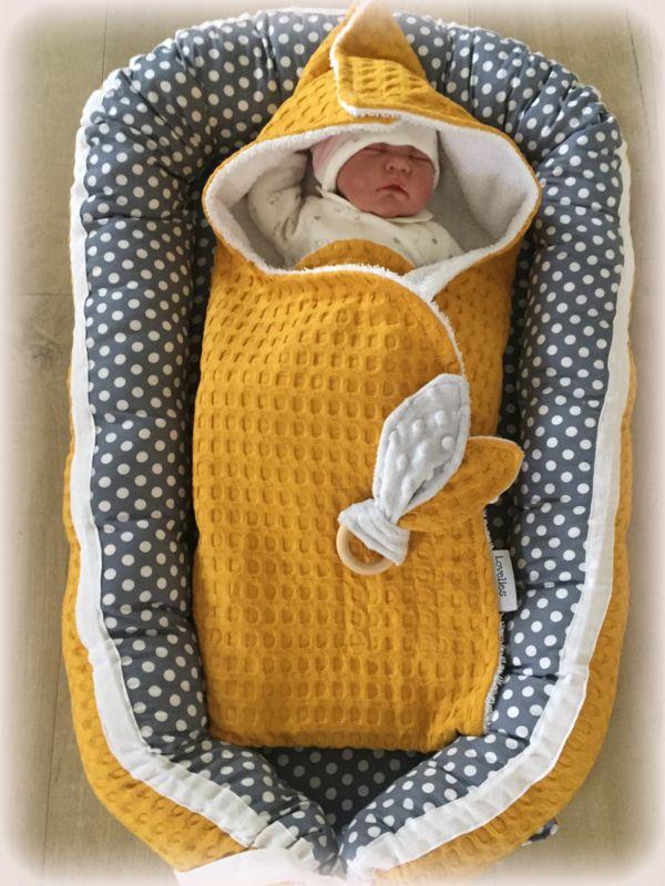 702213ebbb0 Babynestje Okergeel Grove Wafel & Grijs met witte stippen | 6 | Baby ...