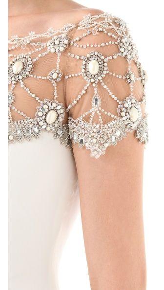 Vintage Bride ~ Art Deco styling ~ #vintagebridemag #gowninspiration