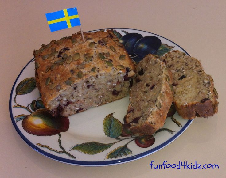Around the World in 18 Breakfasts, Week 15: Sweden - Swedish fruit loaf