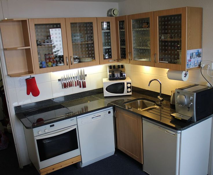 Reberty 1850 Apartment Rental   Kitchen With Granite Worktop, Full Size  Oven, Full Size