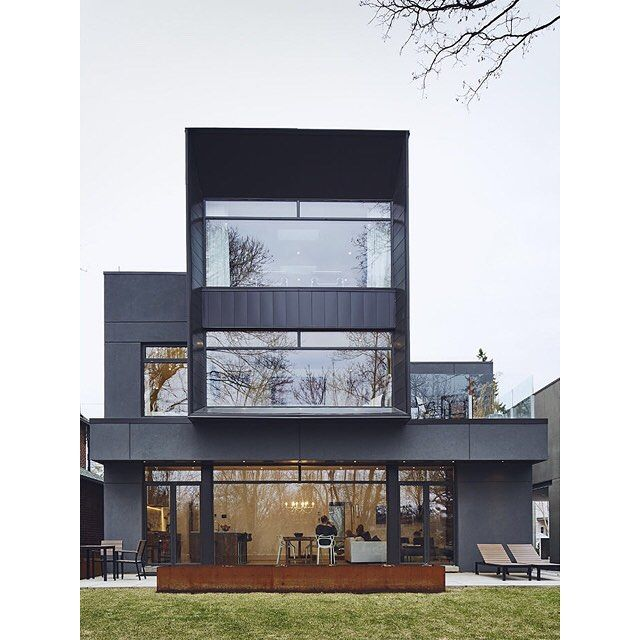 Head to the link in our profile to read the story of a striking Toronto home that makes use of smart technology. The futuristic structure is encased in aluminum panels. Photo by Michael Graydon and Nikole Herriott.
