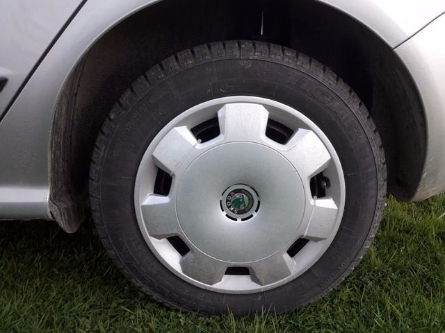 How To Change A Flat Tire Step By Step Flat Tire Tire Steps