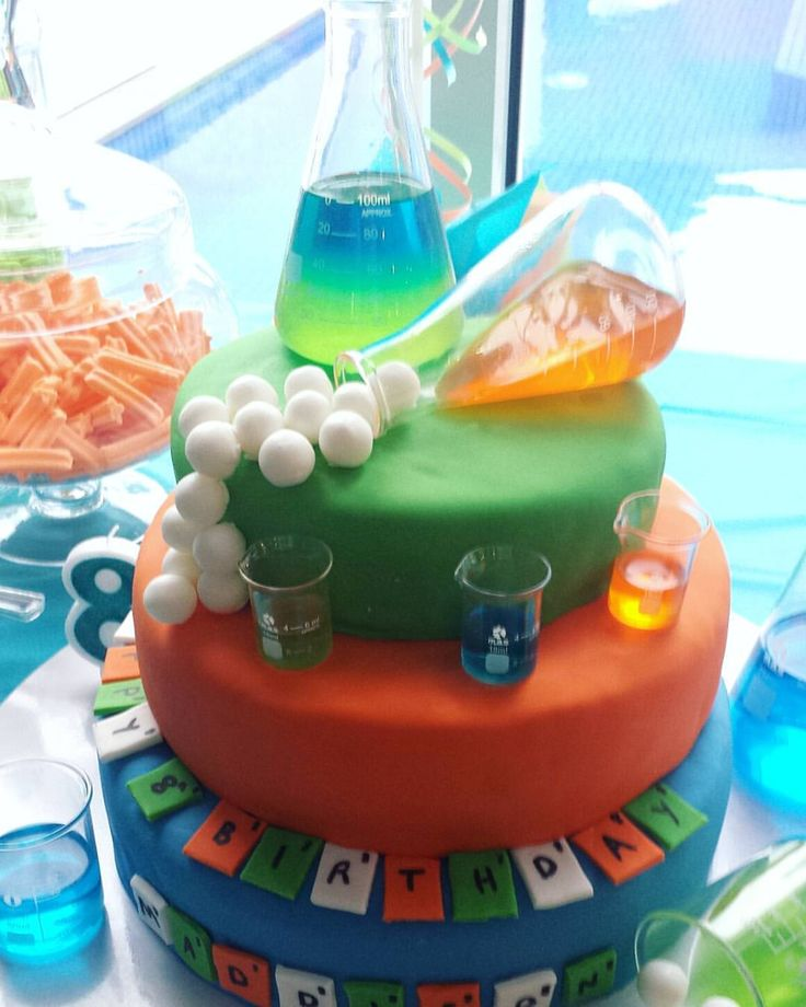 How fabulous is this Mad Science themed cake, created by the party mum last weekend? I provided a science class, which was such great fun. Love making flubber! #madscienceparty #easybreezyparties