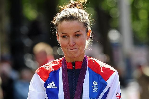 Lizzie Armitstead wins the silver medal for Team GB in the women's road race