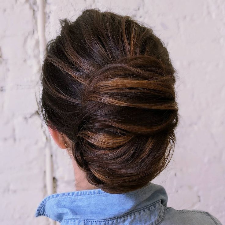 Beautiful Modern French twist bridal hairstyle ideas,chignon ,french chignon #weddinghairstyle #updo #frenchchignon #chignon #bridalhair