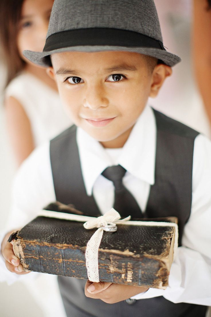 Bible as ring pillow| photography : Cory Kendra Photography | Creative ideas for something borrowed | fabmood.com