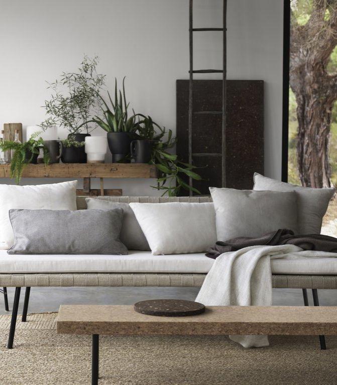 17 beste afbeeldingen over banken op pinterest openluchtbanken mid century modern en koffie. Black Bedroom Furniture Sets. Home Design Ideas