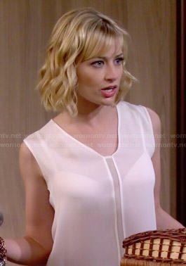 Caroline's white mesh insert top on 2 Broke Girls.  Outfit Details: http://wornontv.net/47221/ #2BrokeGirls