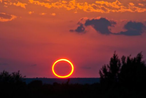 Stunning photo of Sunday's eclipse courtesy of Jacob Thumberger in Texas, via spaceweather.com.
