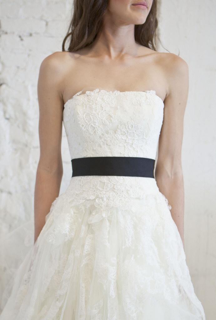Vera wang 39 eliza 39 lace tulle princess gown happily for Vera wang princess wedding dress