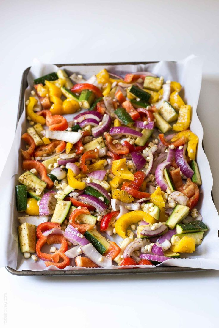 Oven Roasted Vegetable Fajitas – let the oven do all the work for you! Add adobe…   – Yum!