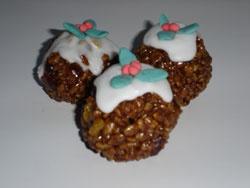 Christmas pudding crispy cakes (with Mars Bars, fruit, Rice Krispies)