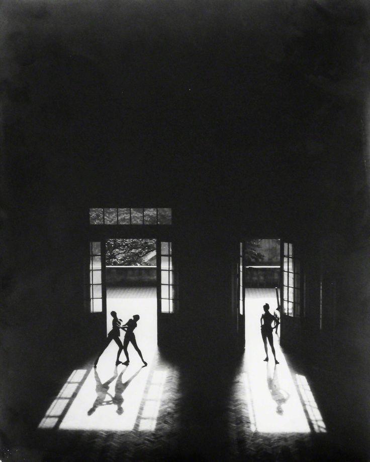 Thomaz Farkas, 'Dançarinos na Janela', 1947