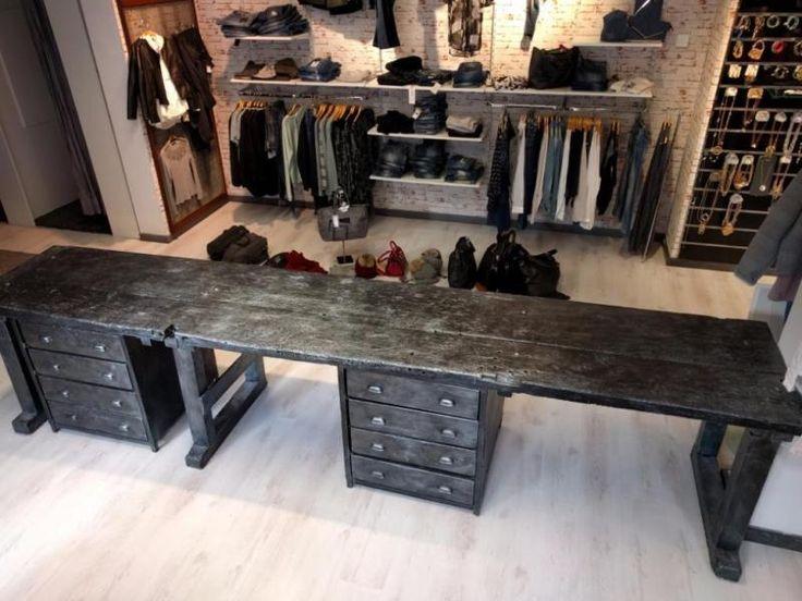 Dieser Tisch im Industrie-Style ist ein individuelles Einzelstück für ein Loft oder eine große...,Alter Tisch, Loft, Shabby Chic, Industrie-Style, Einzelstück!!! in Bayern - Osterhofen